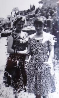 10 - Jana Straková with a friend
