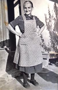 16 - babička Berta Samohrdová (1894-1983) roz. Čiháková