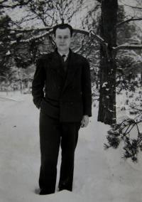 Otec pamětnice, Záhorie, před roke 1943