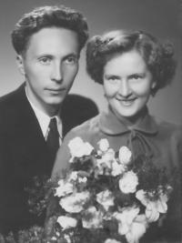 Oblíbení učitelé, manželé Naďa a Josef Houskovi, Nové Hrady, asi 1953