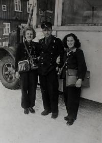 Anita´s mother (on right) during her job of a conductor on a way from Klingenthal via Přebuz to Nejdek, a bus driver was French; in Kraslicko, during WW2