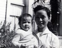 Nhung s dcerkou Poděbrady 1964