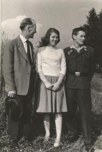 Prokop Šmirous with his father and sister Ivana in July 1960 shortly after their father's release from prison