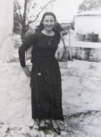 Aikaterini Sgourdeou - Řecko, Lefkada, 1955, řecký dívčí kroj