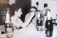 Aikaterini Sgourdeou, 1977, v Brně s básníkem Janem Skácelem