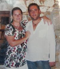 Dcera Petra Šídy Alena s přítelem Nikolaosem