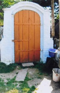 Sklep u rodného domu Viktora Hnízdila v Knerutech