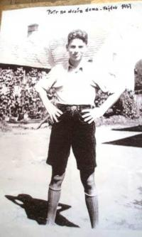 Petr Eisenberg doma ve Frýdku, 1936