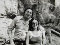 Pamětnice s Jiřím Lábusem (svědkem svatby Ireny Gerové); Levého sochy nad Liběchovem; léto 1983