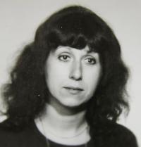 Portrétní fotografie pamětnice; Praha; cca 1980