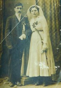 Svatba rodičů Evžena a Anny Novotných v roce 1919