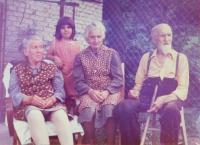 Vpravo rodiče Ludmila a Jaroslav Knápkovi