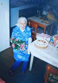 Matka Ludmila Knápková při oslavách svých devadesátých pátých narozenin