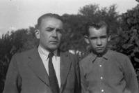 1952 - Zdeněk Bíza se svým otcem