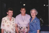 Hana in the middle, Conference WAGGGS, with Betty Clay, daughter of Baden-Powell, the founder of the Scouting movement, Canada 1996