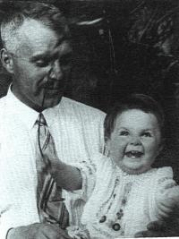 Strýček Šurik (odseděl si v Gulagu 7 let) a já