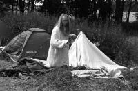 Svatý staví stany