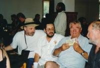 Zleva John Bok, Karel Havelka, Pavel Landovský, 2000, oslava 50. narozenin KH
