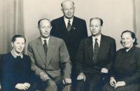 Otec Karel Havelka starší se sourozenci, druhý zleva, 50. léta