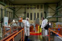2011 - u experimentálního reaktoru v Řeži s Jensem Vellevem, který inicioval zkoumání ostatků Tychona Brahe