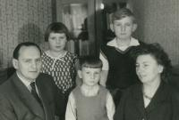 Amid Vlastimil Bartos with his parents and siblings