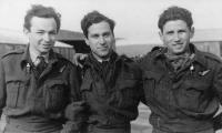 Pavel Vranský (vlevo), fotografie z doby 2. světové války