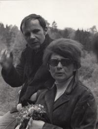 Václav Mezřický s manželkou Něhoslavou na výletě
