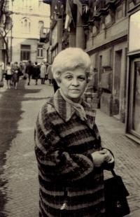 Mariana Bukovská, Praha asi 1975