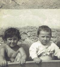 Ivan se sestrou Zdenou, Praha 1950