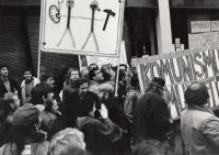 Při generální stávce, listopad 1989