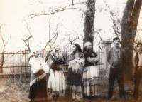 Soubor Perumos, Agnesa Horváthová první zleva
