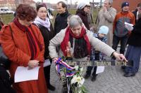Ludmila Janská se účastní pietní akce k uctění památky štábního kapitána Morávka (Praha, březen 2016)