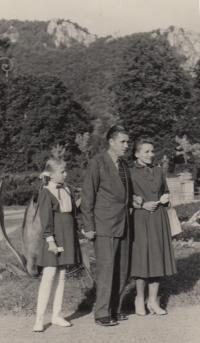 Helena s rodiči, Rajecké Teplice 1959