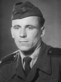 Bratr Rudolf Hadwiger na vojně v letech 1954-56