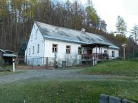 Bývala obecní škola v Nýznerově