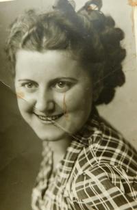 Sestra Anna, kterou odvezli na Sibiř, kde strávila 8 let života.