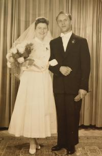 Svatba sestry Anny, kterou odvezli na Sibiř, kde strávila 8 let života