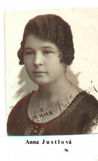 Ms. Babůrková, nee Justlová