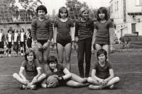 TJ Praha 1978 Irena s míčem
