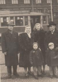 Jaroslav with whife's parents and childrens, 1954 Prague
