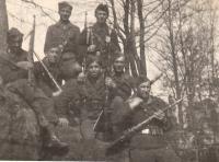 Vojna, Jaroslav Hrubeš vpravo nahoře