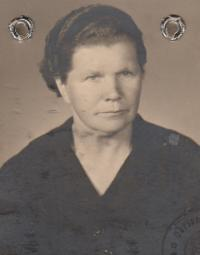 mother of Jaroslav Hrubeš