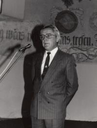 Ve sboru Českých Bratří v Mladé Boleslavi, 1992