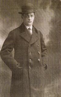 Otec Oskar Rosenzweig, 1924