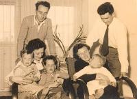 Se syny a sestrou v Izraeli, 1953