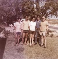 S manželem a syny, Michmoret 1971