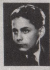 Dov Eisdorfer na maturitní fotografii, 1939