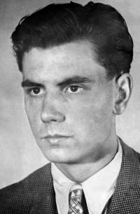 Josef Svoboda several months before his arrest / 1949