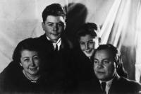 Naftali s rodinou po oslobodení