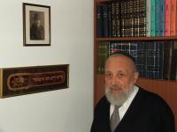 Sinaj Adler s fotografií dědečka - březen 2008